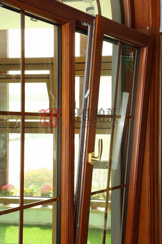 铝包木门窗内开内倒的特点